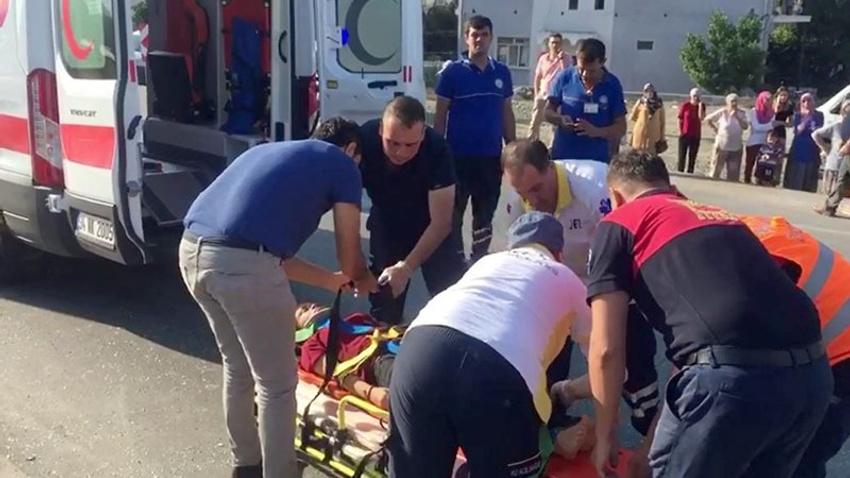 Öğrenci servisi ile kamyon çarpıştı: Çok sayıda yaralı var