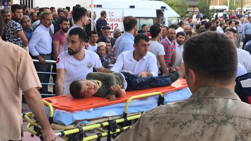 Bitlis'te köy minibüsü kaza yaptı: 10 kişi hayatını kaybetti