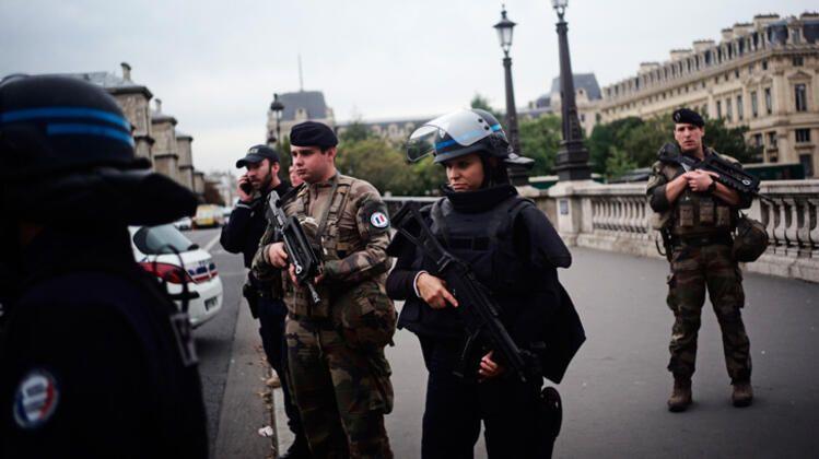Paris Emniyet Müdürlüğü'nde bıçaklı saldırı: 4 polis öldü - Sayfa 3