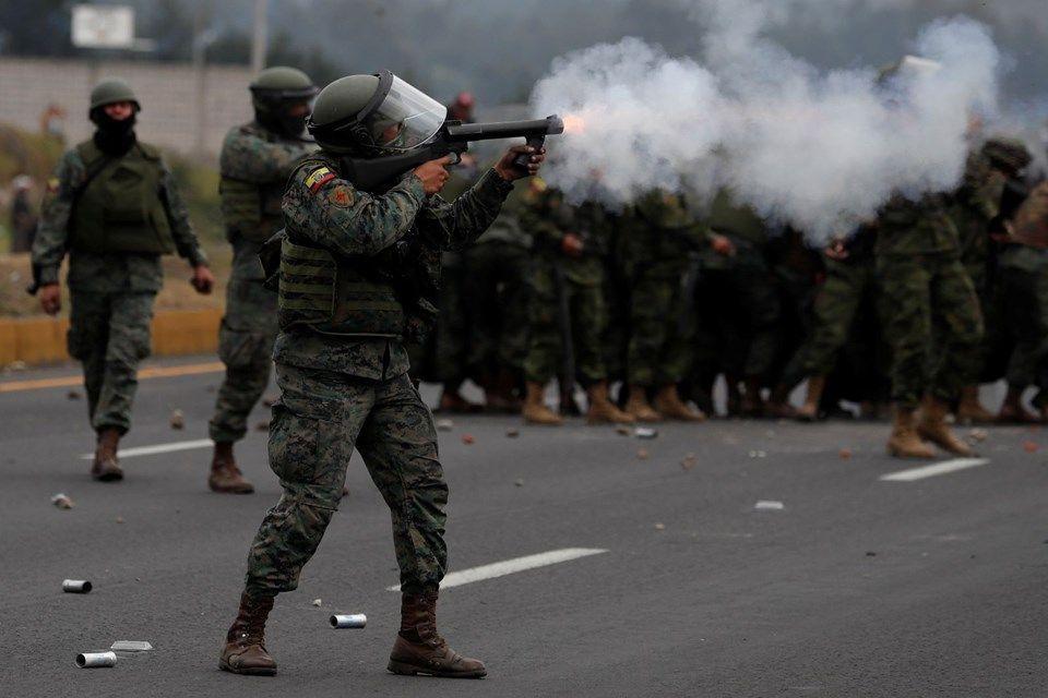 Ekvador'da protestolar devam ediyor: 50 polis rehin. - Sayfa 1