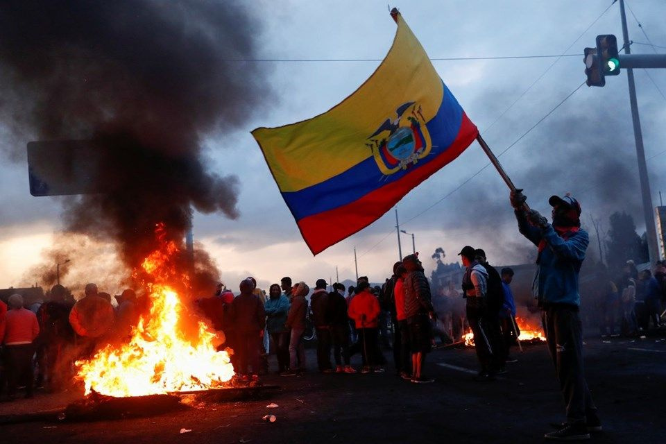 Ekvador'da protestolar devam ediyor: 50 polis rehin. - Sayfa 2