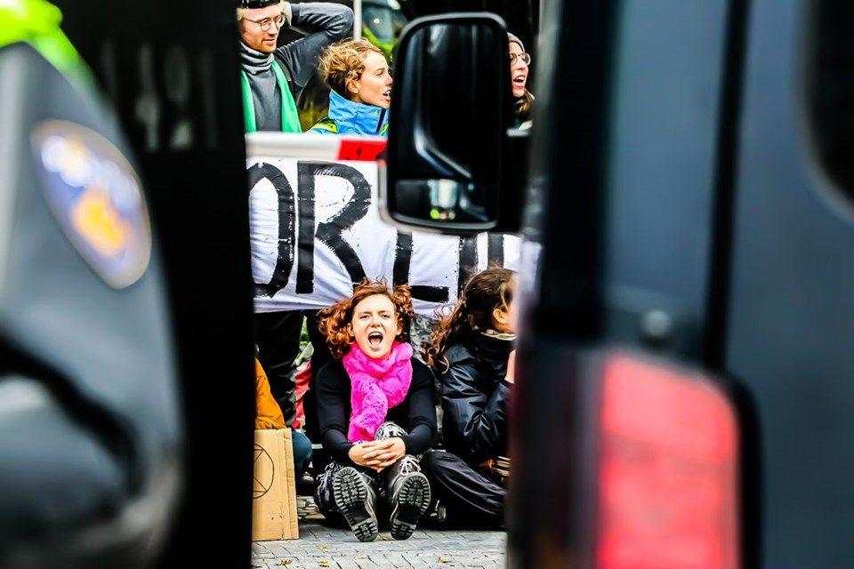 Hollanda'da 'iklim değişikliği'ne karşı işgal eylemleri: 40 gözaltı - Sayfa 1