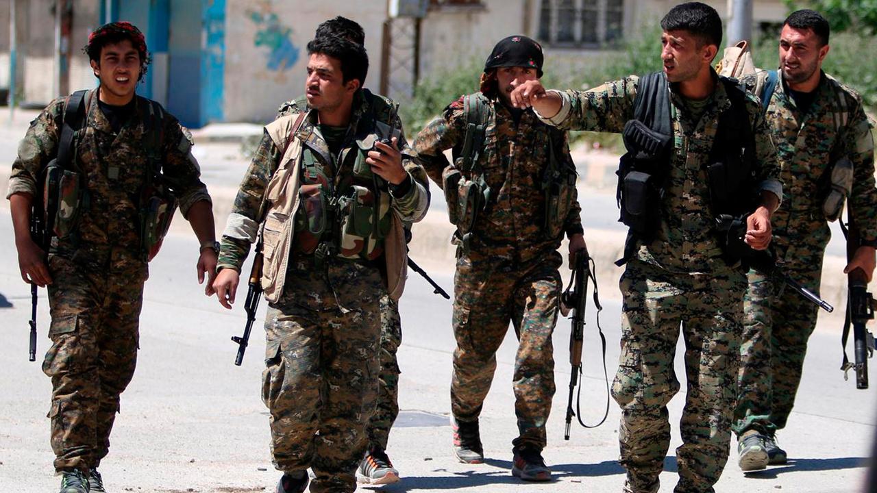 Operasyon korkusu yaşayan YPG'den Suriye'de flaş hamle