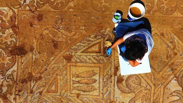 Kaçak kazıda bulunan mozaik gün yüzüne çıkarılıyor - Sayfa 2