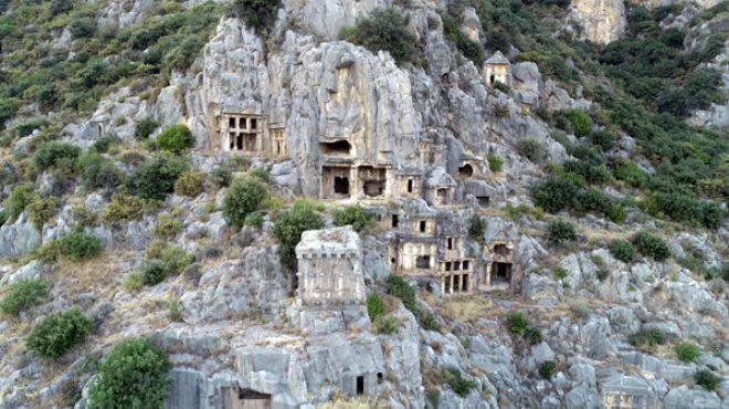 Antalya'da ürküten keşif! Antik Kent'te, kurşun kabın içinden 'kara büyü' çıktı - Sayfa 1