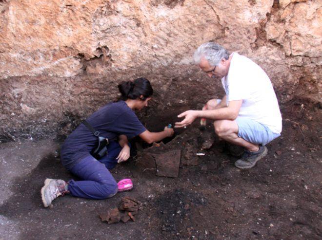 Antalya'da ürküten keşif! Antik Kent'te, kurşun kabın içinden 'kara büyü' çıktı - Sayfa 2