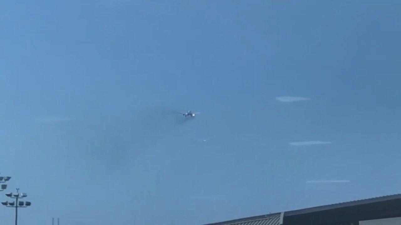 347 yolcu taşıyan uçak havada alev aldı - Sayfa 1