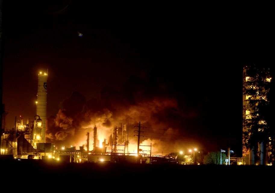 ABD'de kimya fabrikasında patlama: 60 bin kişi tahliye ediliyo - Sayfa 1