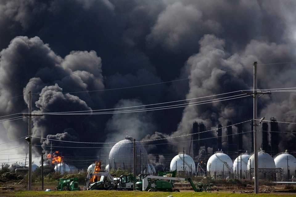 ABD'de kimya fabrikasında patlama: 60 bin kişi tahliye ediliyo - Sayfa 3