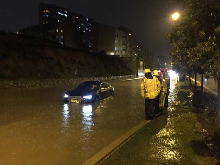 Meteoroloji uyarmıştı, İstanbul'da sağanak başladı! Kaç gün sürecek? - Sayfa 4