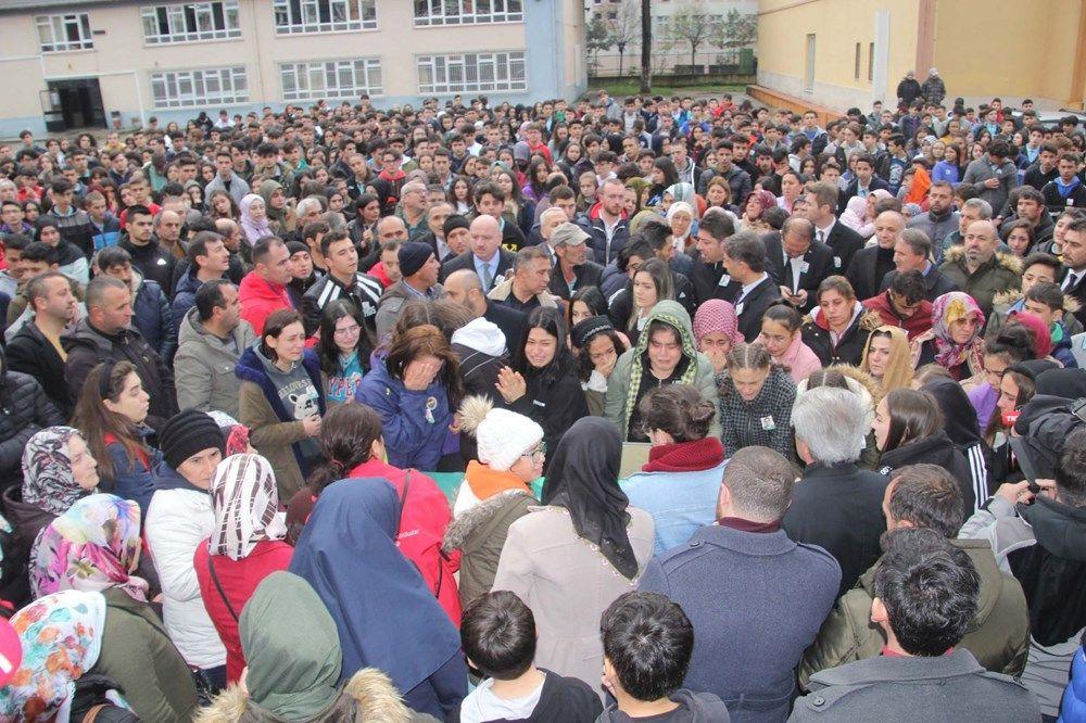 Yozgat'ta kazada ölen hentbolcular için okullarında veda - Sayfa 1