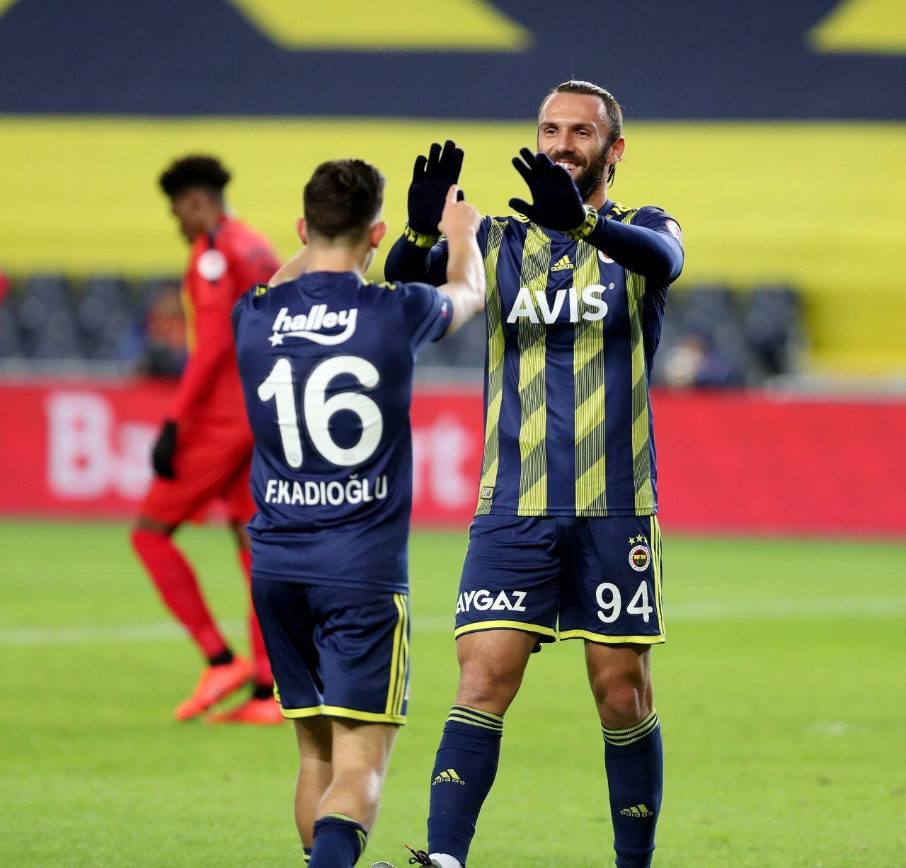 Ferdi Kadıoğlu'nun performansı Fenerbahçeli taraftarları mest etti! - Sayfa 1
