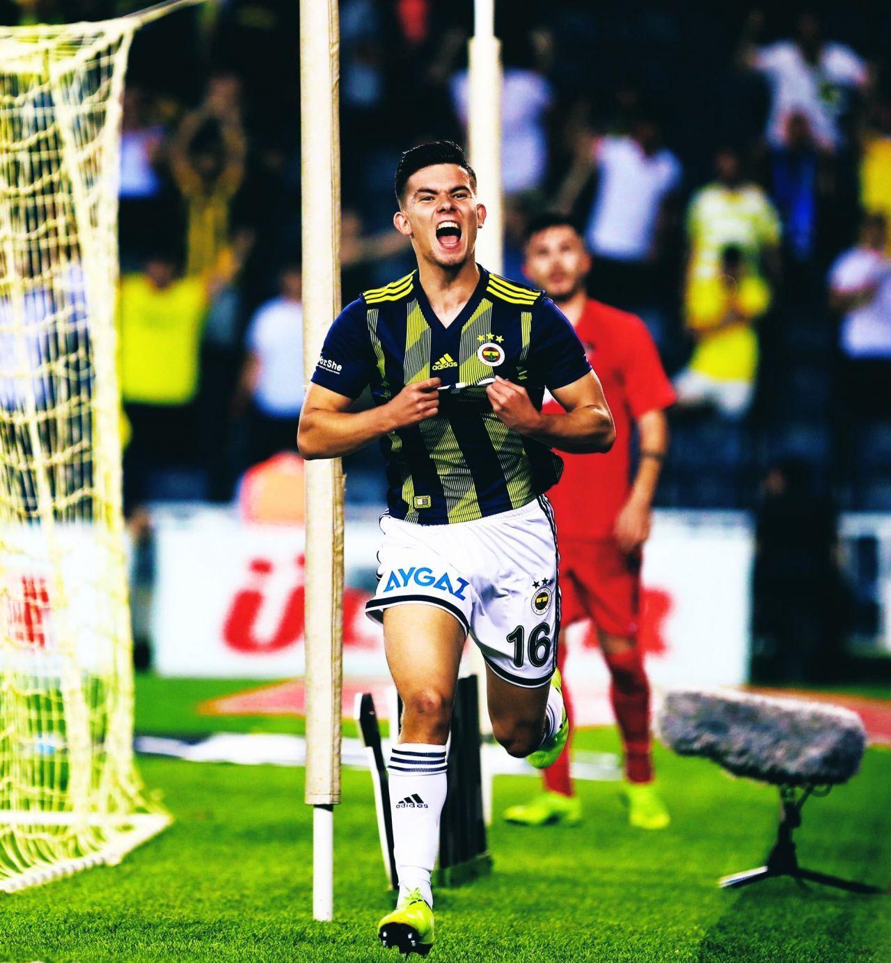 Ferdi Kadıoğlu'nun performansı Fenerbahçeli taraftarları mest etti! - Sayfa 2