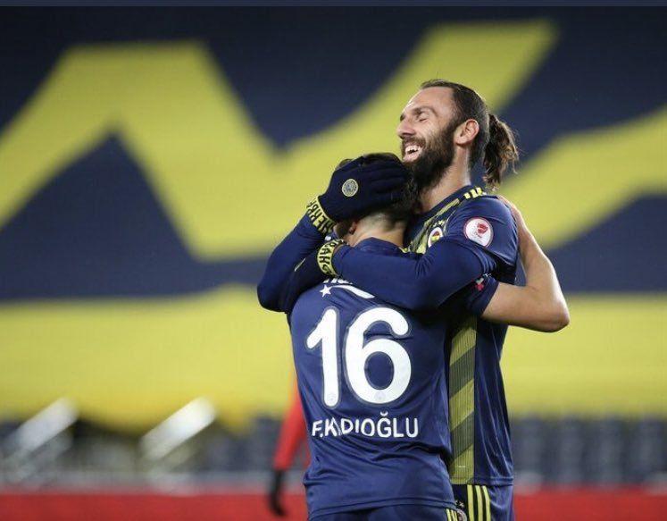 Ferdi Kadıoğlu'nun performansı Fenerbahçeli taraftarları mest etti! - Sayfa 4
