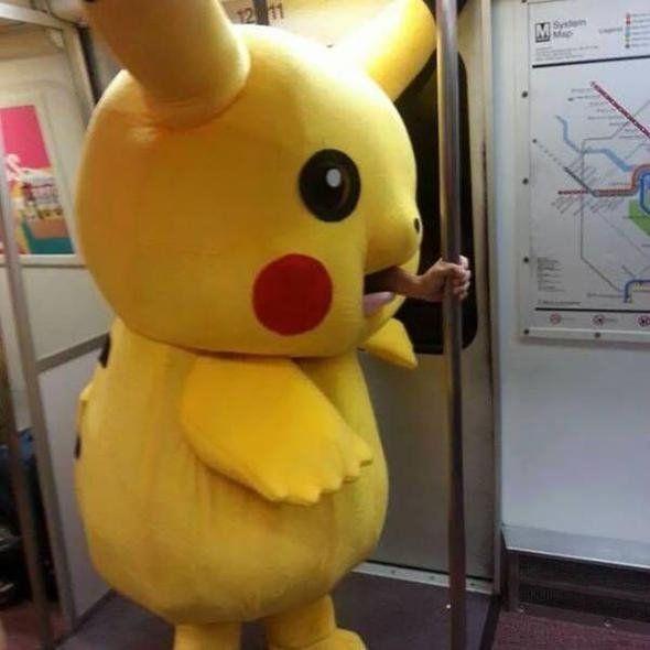 Dünya metrolarında görülmüş en garip yolcular - Sayfa 4