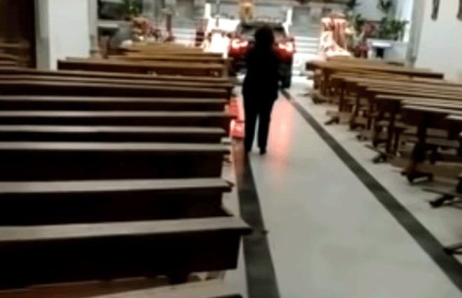 'Şeytan'dan kaçtım' diyen sürücü arabasıyla kiliseye daldı - Sayfa 3