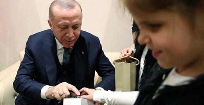 Bu mutluluk görülmeye değer! Cumhurbaşkanı Erdoğan'a engelli öğrencilerden özel hediye - Sayfa 1