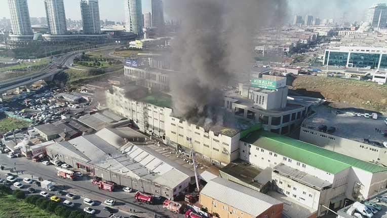 Başakşehir'de sanayi sitesinde korkunç patlama: Ölü ve yaralılar var - Sayfa 3