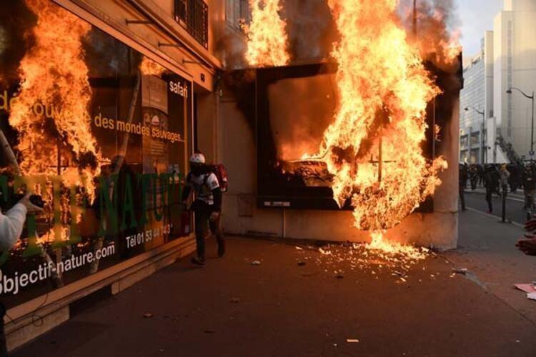 Tansiyon düşmüyor! Sokakları ateşe verdiler - Sayfa 4