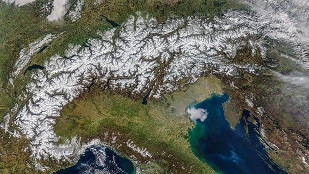 NASA görüntüledi!.. İki haftada 2 bin deprem o ülkenin haritasını değiştirdi! - Sayfa 3