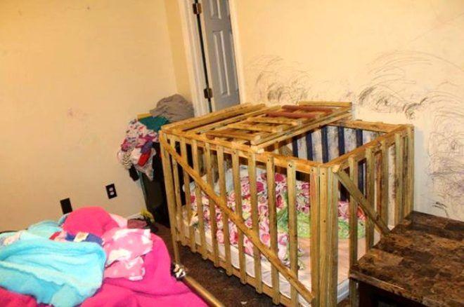 Polis baskını ortaya çıkardı! Canavar aile, 4 çocuğu tahta kafese kilitleyip işkence etti - Sayfa 3