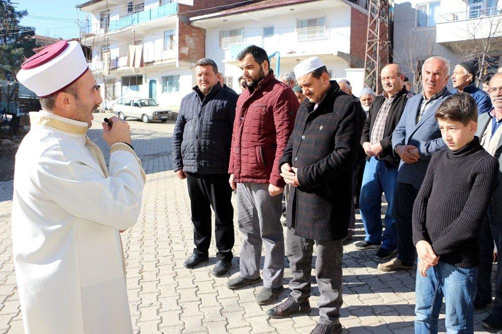 Tokat'ta köylüler kar duasına çıktı - Sayfa 1