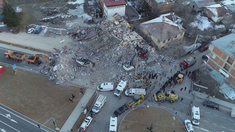 Elazığ'daki 6.8 büyüklüğündeki deprem sonrası son fotoğraflar - Sayfa 1
