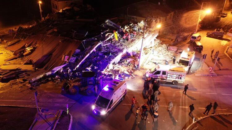 Elazığ'da yaşanan 6.8 büyüklüğündeki deprem sonrası  görüntüler... - Sayfa 1