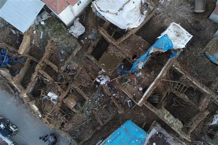 Elazığ'daki 6.8 büyüklüğündeki deprem sonrası son fotoğraflar - Sayfa 2