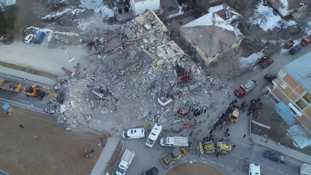 Elazığ'da 6 katlı 2 bloklu binanın çökmeden önceki fotoğrafları - Sayfa 3