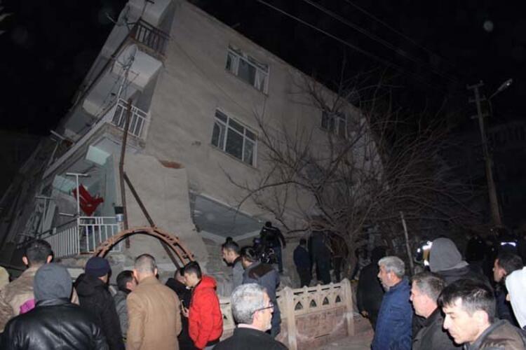 Elazığ'da yaşanan 6.8 büyüklüğündeki deprem sonrası  görüntüler... - Sayfa 4