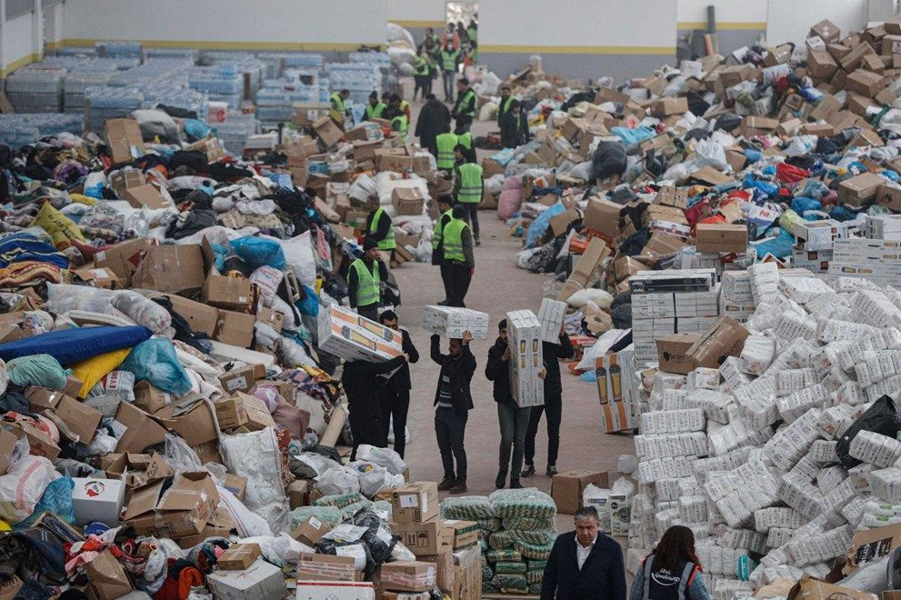 Elazığ'da AFAD'ın deposu yardımlarla doldu - Sayfa 2