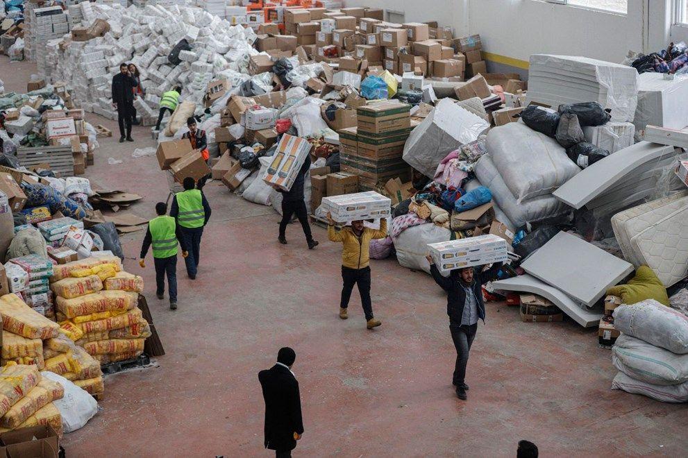 Elazığ'da AFAD'ın deposu yardımlarla doldu - Sayfa 4