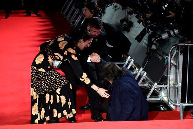 79 yaşındaki yıldız oyuncu Al Pacino, kırmızı halıda yere çakıldı! - Sayfa 2