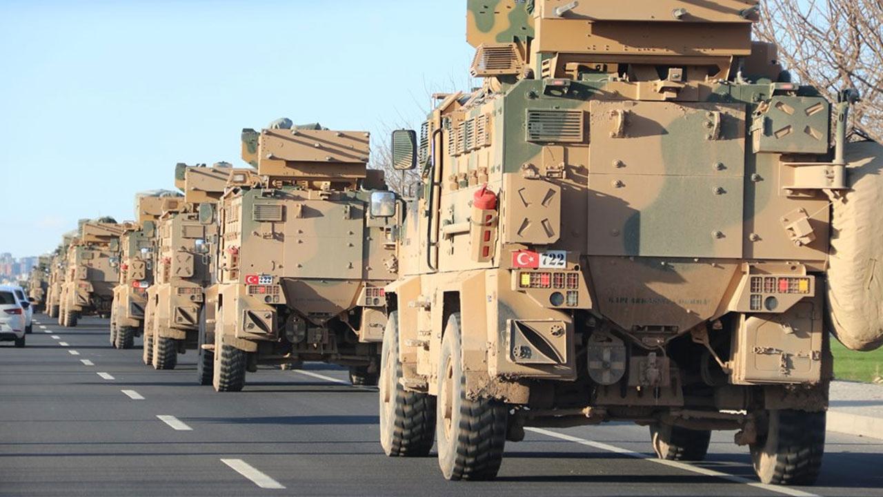 Hatay sınırında askeri hareketlilik! Dev kobvoy