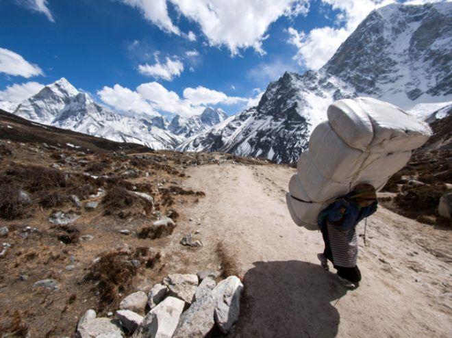 Dağcıların, tırmanma uğruna hayatını kaybettiği Everest'te, hamallık yapıyorlar! Kazançları dudak uçuklatıyor - Sayfa 1
