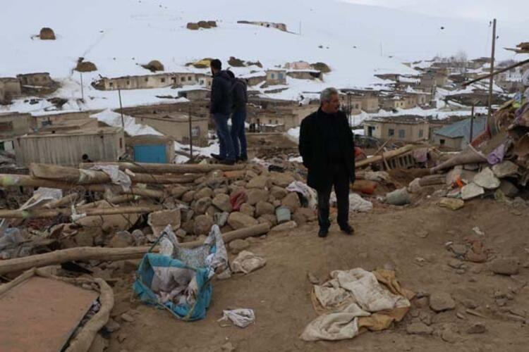 İran'daki 5,9'luk deprem Van'ı vurdu: Başkale'de 9 kişi yaşamını yitirdi (Bölgeden kareler) - Sayfa 4
