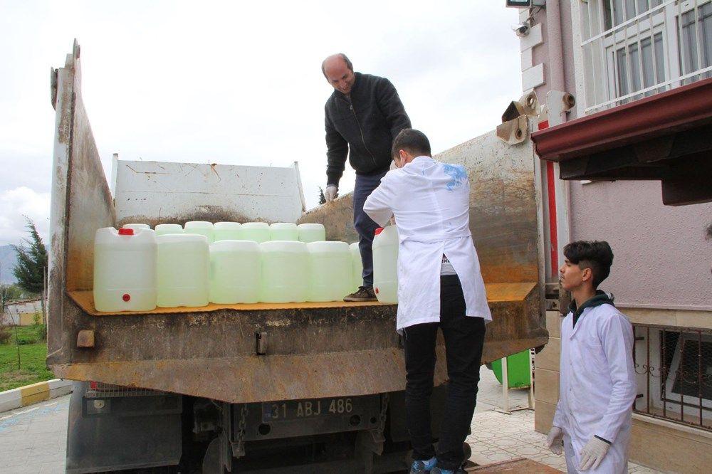Hatay'da lise öğrencileri, günde 10 ton dezenfektan üretiyor - Sayfa 3