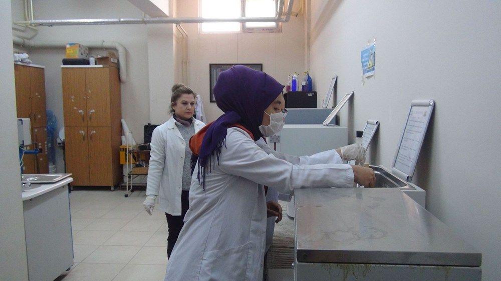 Hatay'da lise öğrencileri, günde 10 ton dezenfektan üretiyor - Sayfa 4