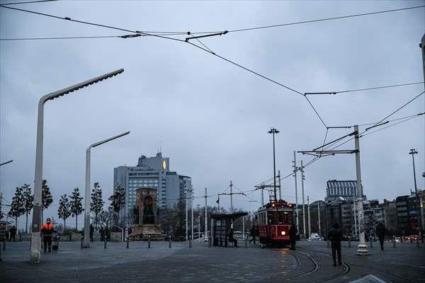 Taksim ve İstiklal Caddesi boş kaldı - Sayfa 1