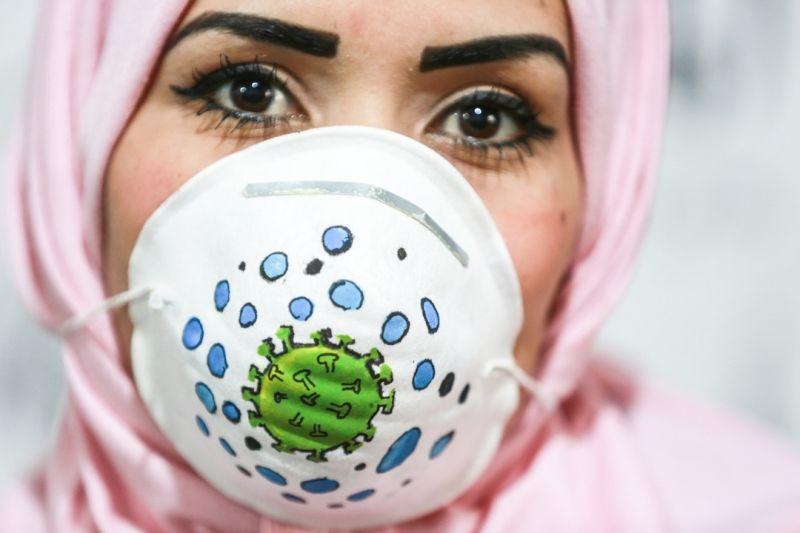 Gazzeli sanatçılar, koronavirüsle mücadele için maskeleri renklendiriyor - Sayfa 1