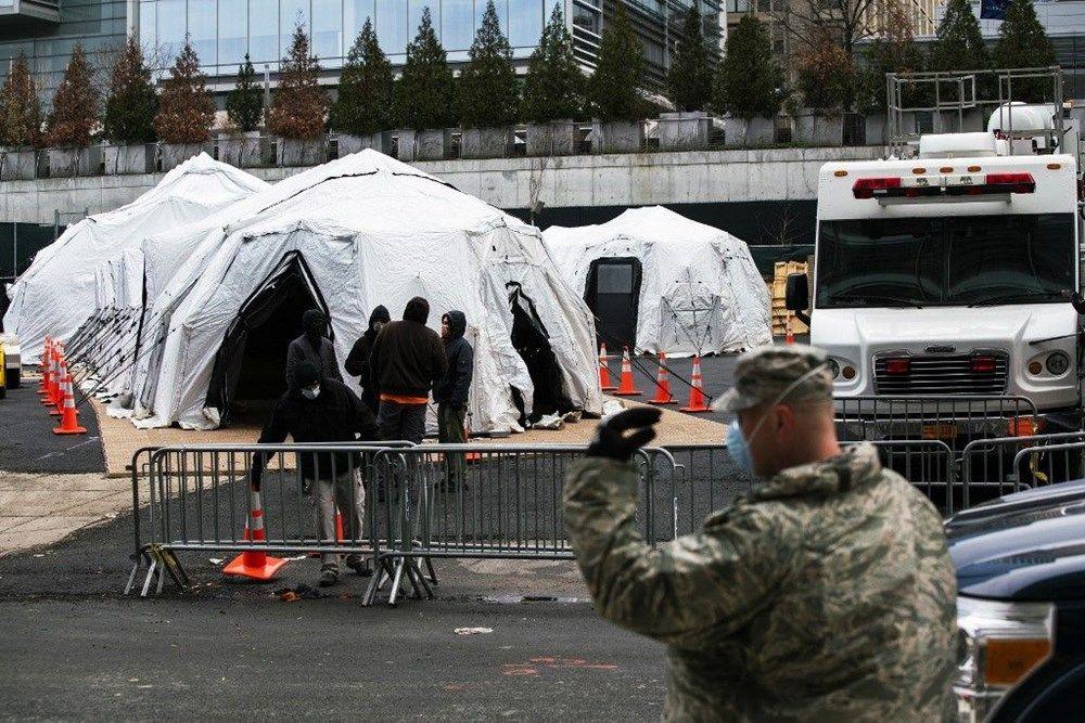 ABD hastanelerin bahçelerine çadırlar kuruyor - Sayfa 3
