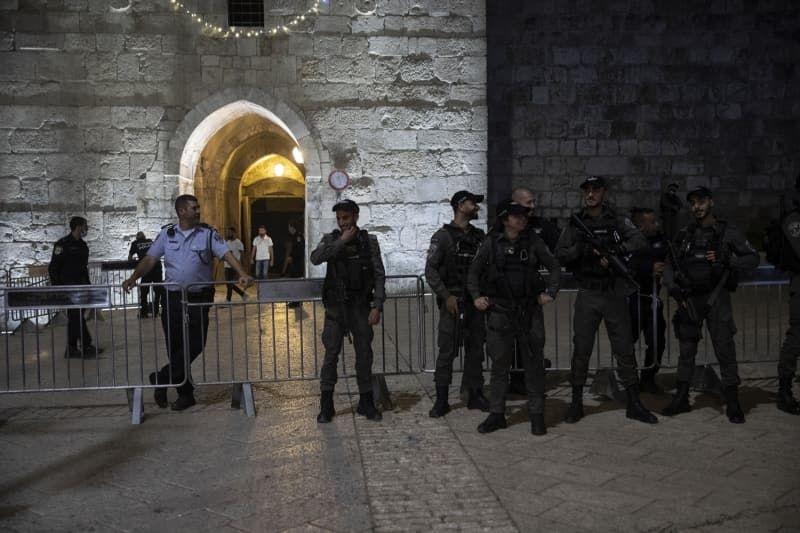 İsrail Kadir Gecesi'ni Mescid-i Aksa çevresinde ihya etmek isteyen Filistinlilere izin vermedi - Sayfa 1