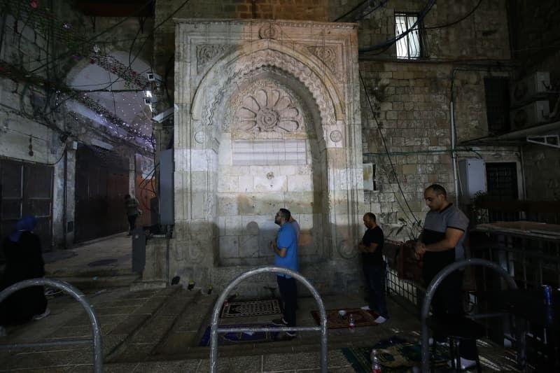 İsrail Kadir Gecesi'ni Mescid-i Aksa çevresinde ihya etmek isteyen Filistinlilere izin vermedi - Sayfa 4