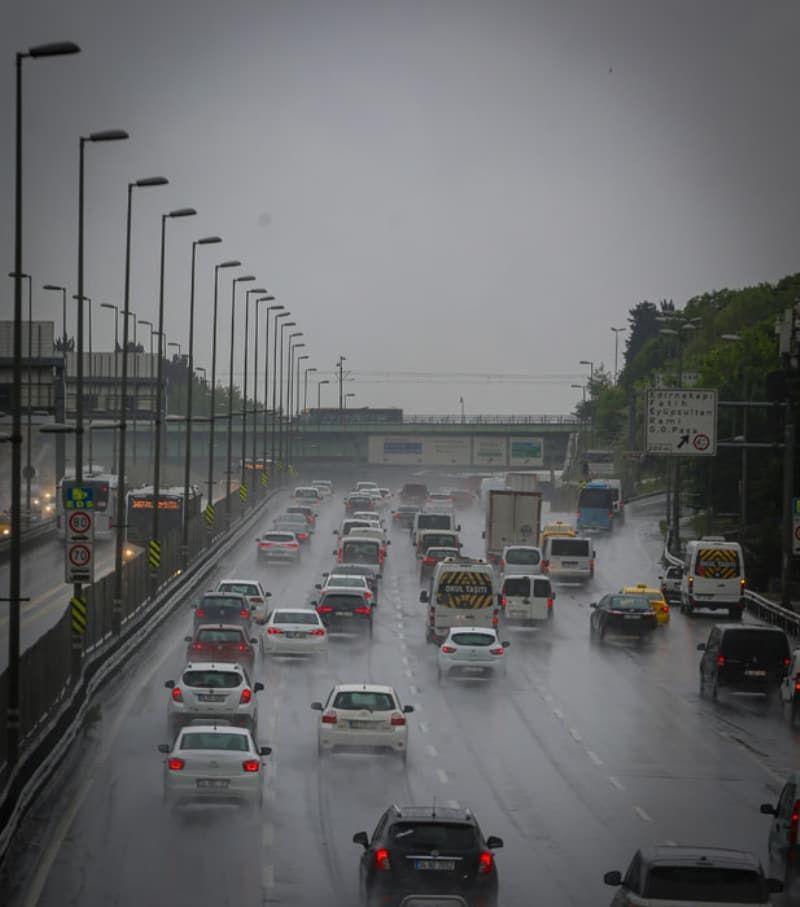 Sabah saatlerinde İstanbul'da trafik yoğunluğu yaşandı - Sayfa 4