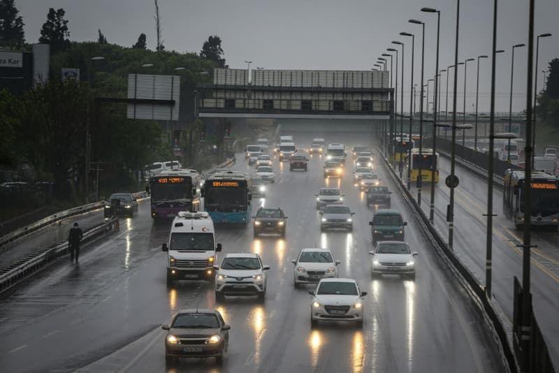 Sabah saatlerinde İstanbul'da trafik yoğunluğu yaşandı - Sayfa 3