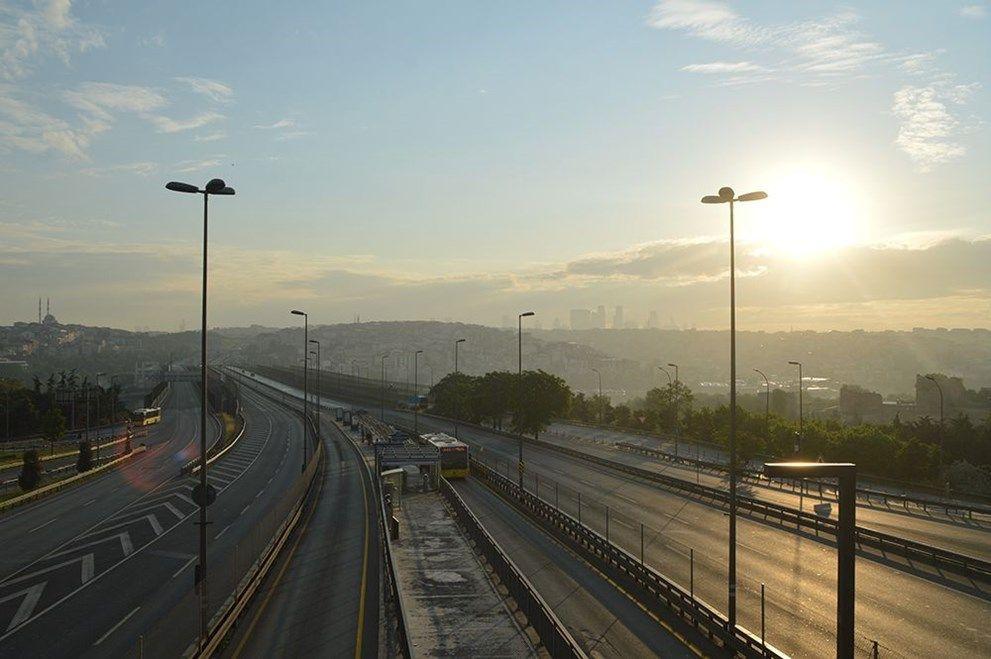 4 günlük kısıtlamanın ilk gününde İstanbul - Sayfa 1