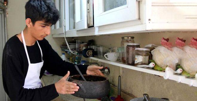 'Fakirsin' diye kınadıkları genç aşçıdan fenomenleri kıskandıracak başarı! Takipçi sayısı milyonu aştı - Sayfa 1