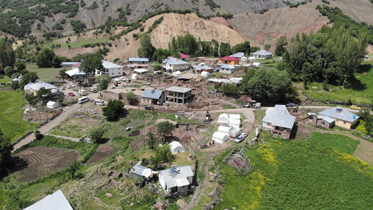 Bingöl'de deprem bölgesinde yaşam - Sayfa 4