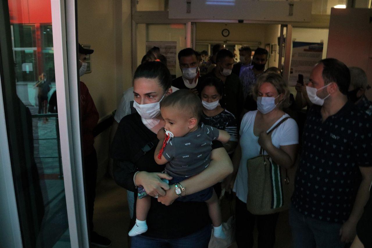 Kaza yapan şarkıcı Alişan, ailesiyle birlikte hastaneden taburcu oldu - Sayfa 1